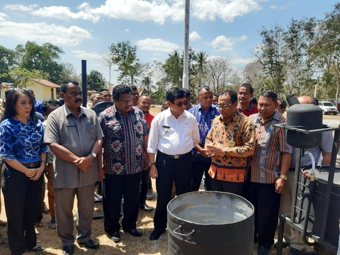 Photo of Sosialisasi & Pelatihan Pengelolahan Sampah Plastik menjadi Paving Block di Kabupaten Kupang