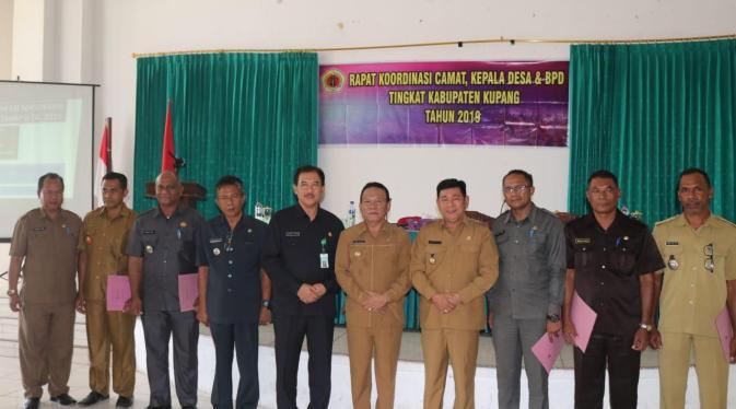 Photo of Bupati Kupang Minta Para-Kades Bekerja Keras Membangun Desa
