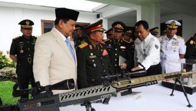 Photo of Menhan Prabowo Subianto Tawarkan Senjata Produk PT Pindad untuk Pasukan Khusus Laos