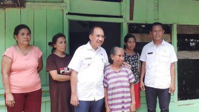 Photo of Temui Duda dan Janda di Penfui, Wali Kota Janji Berikan Bantuan Bedah Rumah